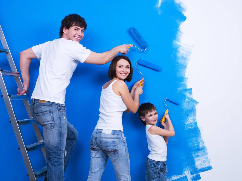 Pintar la casa puede ser una actividad familiar