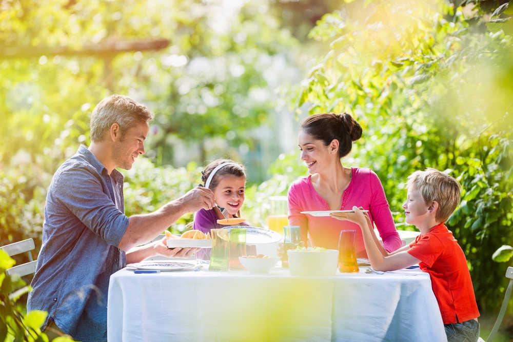 Comer en familia, una vieja costumbre ya olvidada