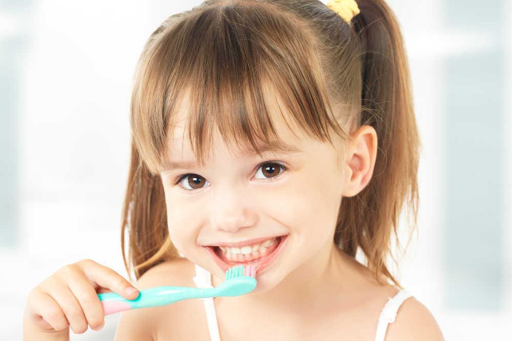 Consejos para conseguir que tus hijos cuiden sus dientes